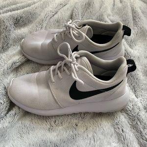 bf81310999ea Women s Nike Roshe One Sneaker on Poshmark